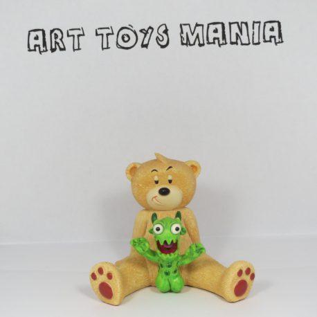 000238_Bad_Taste_Bears_Retired_Munch_01